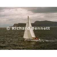 YachtRaces/YR2001/2001SydneyHobart/Love and War 272 SH01
